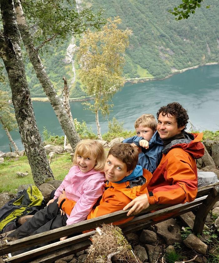 Kamila i Darek z dziećmi na szlaku... (fot. arch. rodzinne)